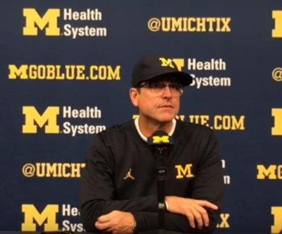 No. 3 Michigan tunes up for rival, routs Illinois