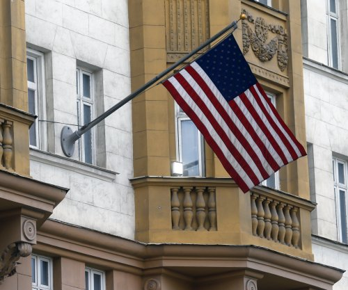 U.S. to suspend visa operations in Russia
