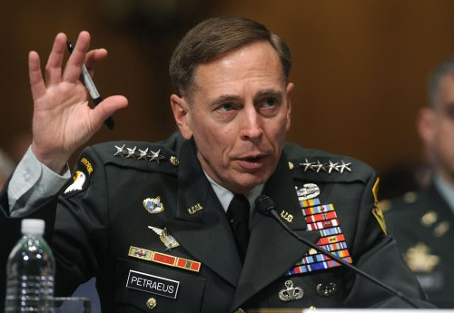 Petraeus to hand command to Odierno soon