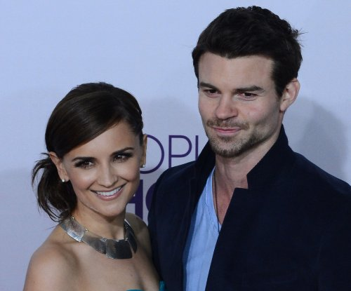 Rachael Leigh Cook, Daniel Gillies expecting second child