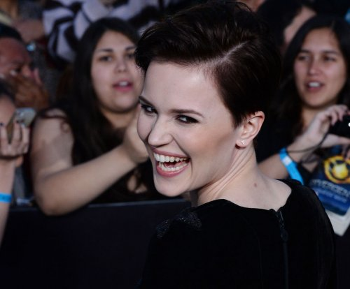 Veronica Roth, 'Divergent' author, to write more books for Harper Collins