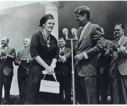 Frances Oldham Kelsey, anti-thalidomide FDA official, dies at 101