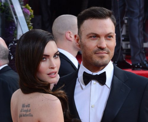 Megan Fox, Brian Austin Green get close on romantic vacation