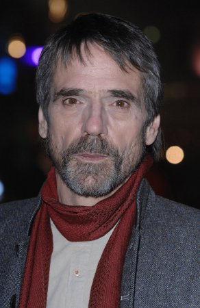 Allen, Irons to star in new B'way play