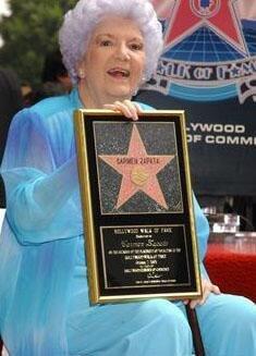 Carmen Zapata dies at age 86