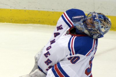 New York Rangers G Henrik Lundqvist questionable for Game 2