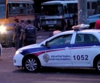 Gunmen release police officers held as hostages in Armenian capital
