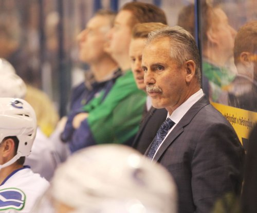 Vancouver Canucks fire head coach Willie Desjardins
