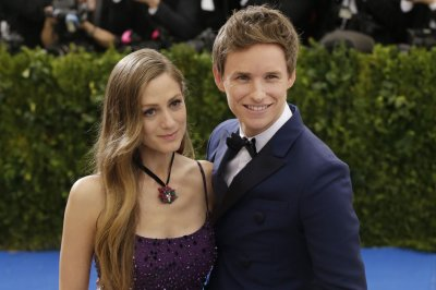 Eddie Redmayne, wife Hannah expecting baby No. 2