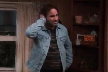 Johnny Galecki returns as David in new 'Roseanne' trailer