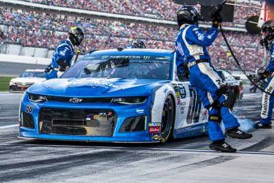 NASCAR: Alex Bowman edges Busch brothers for win at Fontana