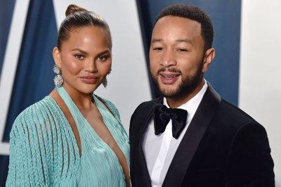 Chrissy Teigen, John Legend expecting third child together