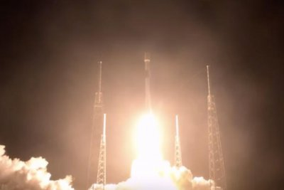 SpaceX launches 21st Starlink communications satellite cluster
