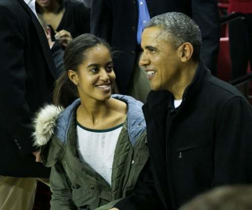 Malia Obama touring colleges in New York City