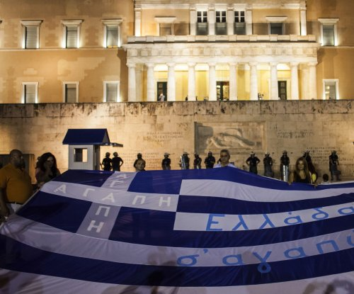 German legislators approve Greek bailout deal