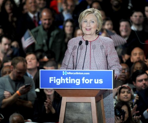 Clinton campaign chairman says '16 Democratic ticket may be all-female