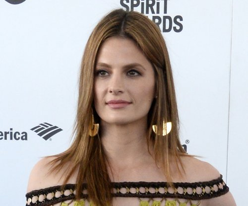 'Castle' alum Stana Katic to star on new series 'Absentia'