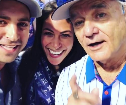 Cubs fans get Bill Murray's help with pregnancy announcement