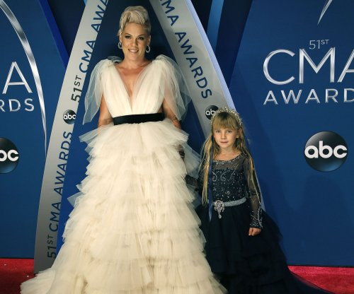 Pink, daughter Willow dazzle at 2017 CMA Awards