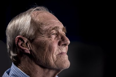 Zap from device may improve aging memory