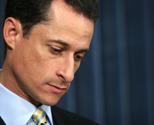 Weiner woes cut into congressional tweets