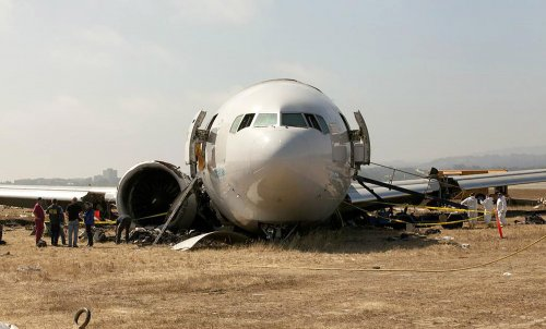 Asiana offers each crash survivor $10,000 but denies responsibility