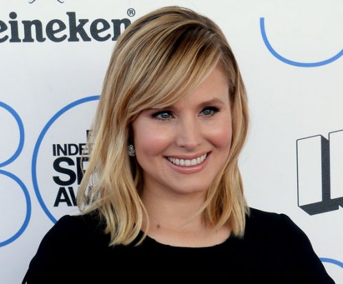 Kristen Bell leaves voicemail as Anna for young fan with tumor