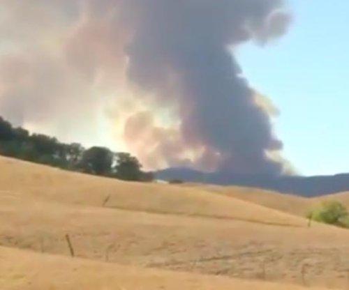 Napa Valley fire reignites, hundreds more evacuated