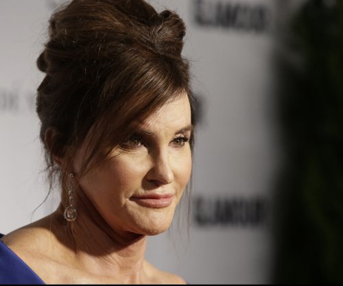 Caitlyn Jenner tries on wedding dresses, meets Hillary Clinton in 'I Am Cait' promo
