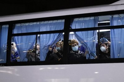 Coronavirus deaths rise in China; U.S. evacuates citizens from cruise ship