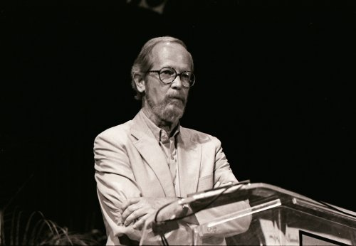 Author Elmore Leonard dead at 87