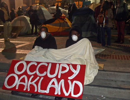 Occupy protesters shut down Oakland port