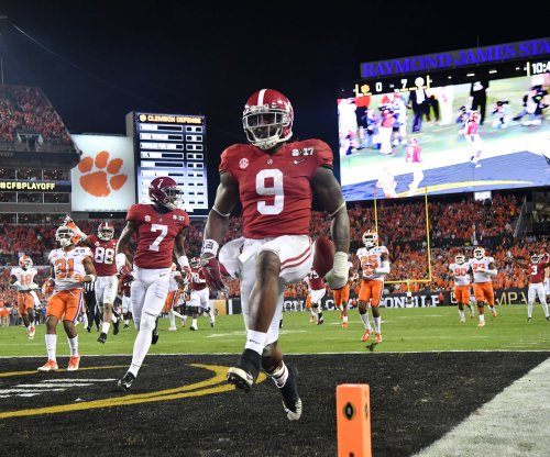 Alabama RB Bo Scarbrough breaks leg vs. Clemson