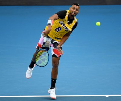 Australian Open: Nick Kyrgios honors Kobe Bryant, shows fight vs. No. 1 Nadal