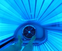 Tanning bed use linked to higher risk for endometriosis in study