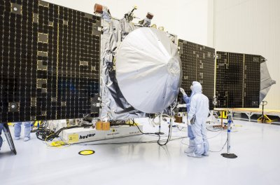 Lockheed gets full Air Force funding for two new satellites