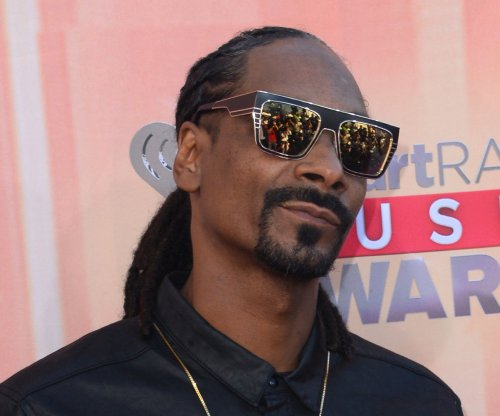 Snoop Dogg invests in pot delivery start-up 'Eaze'