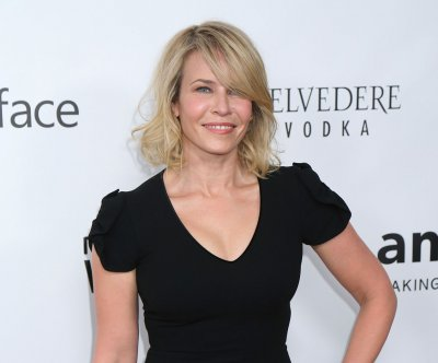 Chelsea Handler responds to 'fat' remark with bikini photo
