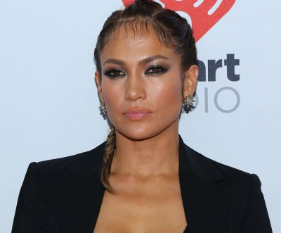 Jennifer Lopez to host the American Music Awards on Nov. 22