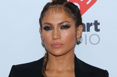 Jennifer Lopez to host the American Music Awards on Nov. 22