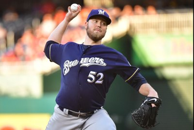 Milwaukee Brewers: Jimmy Nelson's injury shows why NL needs DH