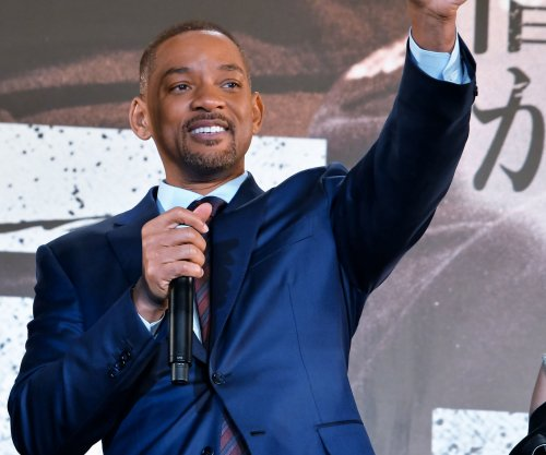 Will Smith gets salsa lesson from Marc Anthony