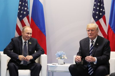 Senate panel agrees Putin meddled to help Trump in 2016 election