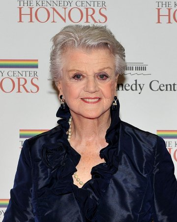 Angela Lansbury to bring 'Blithe Spirit' to U.S. stage?