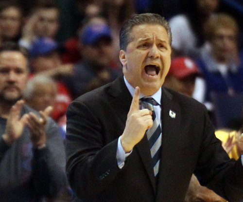 Kentucky basketball: Wenyen Gabriel committs to Wildcats, coach John Calipari