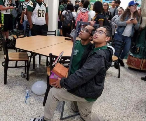 High school student asks himself to homecoming with elaborate stunt