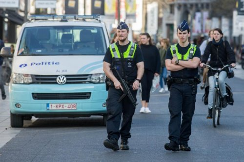 Police in Antwerp arrest would-be car attacker