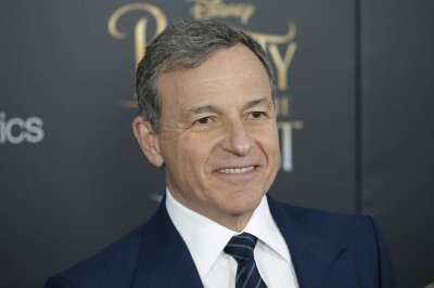 Disney CEO Bob Iger's contract extended until 2019