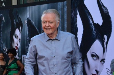 Trump to give Jon Voight National Medal of Arts