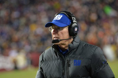 Coughlin signs contract extension with New York Giants